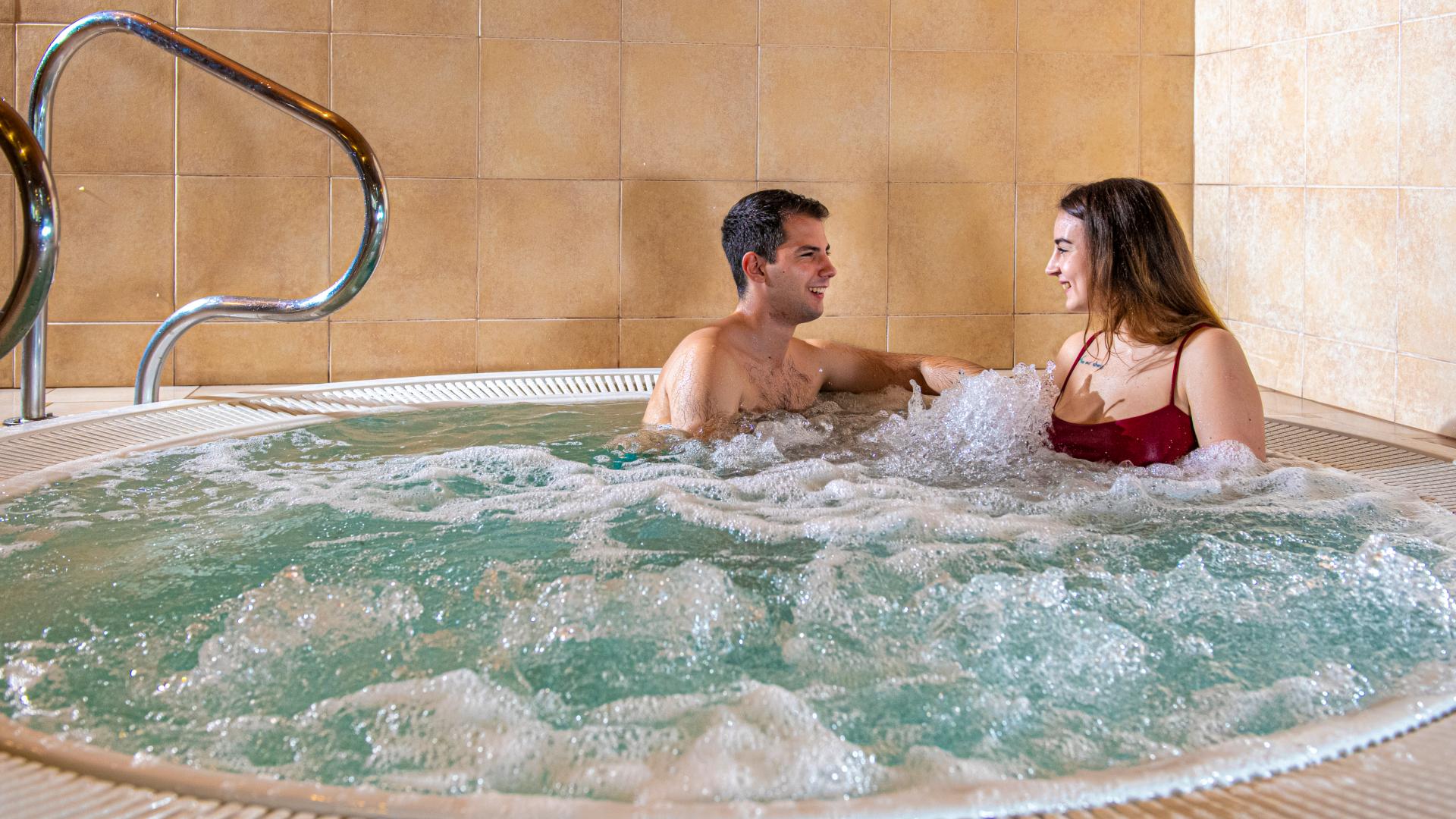 Balaton parti üdülés - privát strand Tihanyban - Wellness, spa és privát strand a Balaton partján - Club Tihany